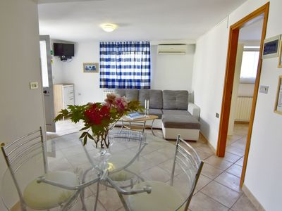 Photo for Apartamento Nika4 in Umag, swimming pool, jacuzzi, WiFi, air-conditioned, close to the sea