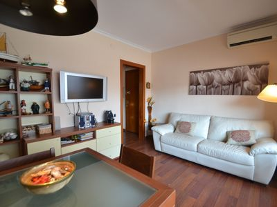 Photo for THE BEACH APARTMENT - One Bedroom Apartment, Sleeps 2