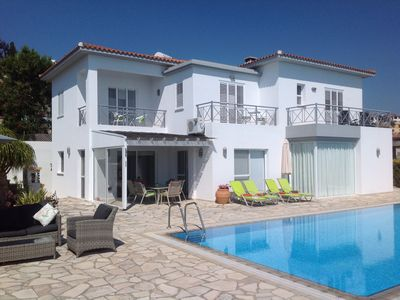 Photo for Beautiful 4 Bed Villa with Very Large Pool