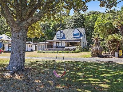 Photo for Absolute Lakefront Favourite - Lake Rotoiti Holiday Home