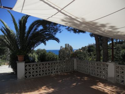 Photo for Beautiful family villa by the sea. Access to the Sea walk
