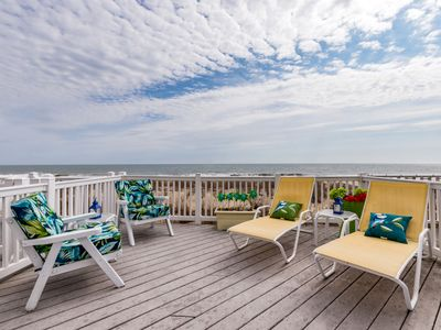 Oceanfront in North OCMD - Sleeps 10, with Big Deck & Great Views!