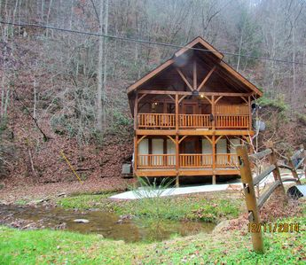 Photo for CREEKSIDE CABIN, CABIN ON THE CREEK