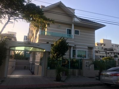 Photo for House of 3 floors with 3 suites, hydro in the master suite - Jurerê Internacional