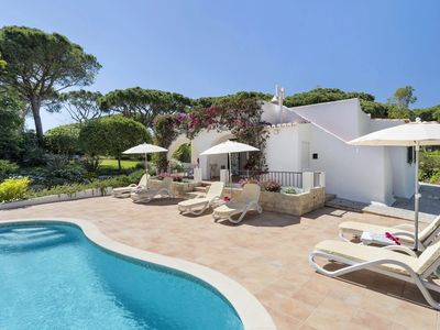 Photo for Casa dos Arcos-Vale do Lobo.  Prime position, family villa, WIFI, pool , garden