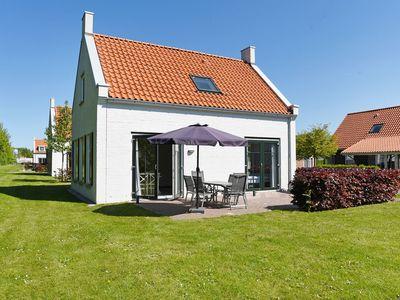 Photo for Bungalow in the holiday park Landal Strand Resort Nieuwvliet-Bad - Indoor swimming pool with paddling pool
