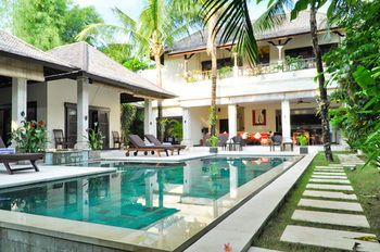 Photo for 4BR Villa Vacation Rental in Seminyak,