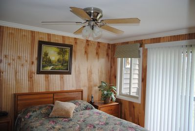 Master bedroom with Mountain views.. Queen bed