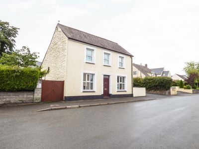 Photo for STATION HALL, pet friendly, with a garden in Cilgerran, Ref 947759