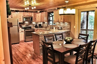 Mt Leconte Views 3 Bd Luxury Cabin 4 Fireplaces Amp Fire