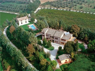 Photo for Villa Casolare Perugia, close to Gubbio and Assisi, with panoramic pool !!!