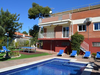 Photo for House with pool, barbecue, garden, wifi, air conditioning, to 1500 meters. Beach