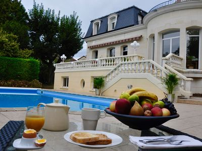Photo for Suite of 140 m2 Domaine de la Fontaine emerald, 20 minutes from Paris, 11 km airport
