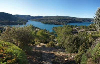 Photo for Apartment for 6 in Esparron-de-Verdon, with a wonderful lake view