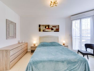 Photo for Apartment Beau Rivage in Cavalaire - 6 persons, 2 bedrooms