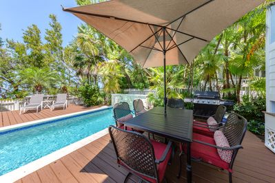 Grill, lounge, swim! Every day at Sea Vista is a perfect day!