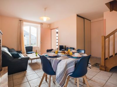 Photo for Lovely apartment for 2 people with WIFI, TV, pets allowed and parking