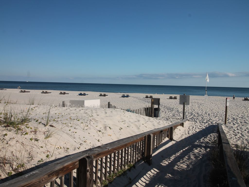 Beachfront 4 Bedroom Sleeps 11 Amenities Views Orange Beach Alabama Gulf Coast Alabama