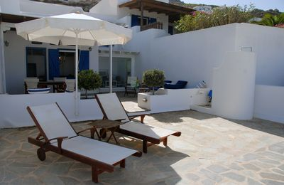 Photo for Modern villa in the Cycladic style near a variety of beautiful sandy beaches