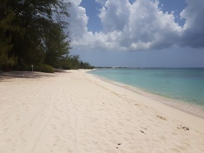 White Sands 3 Bed 7 Mile Beach