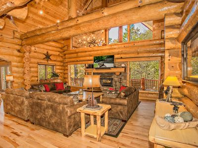 Photo for Private Luxury Lodge On CREEK Hot Tub Arcade Basketball Fire Pit Great For Kids!