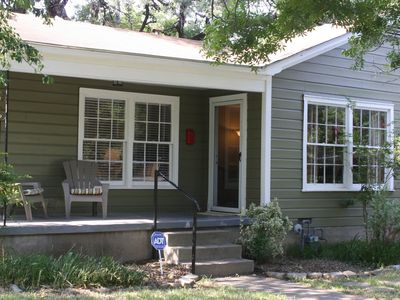 Photo for Vintage 3/1 Cameron Park House--sleeps 8; 5 Min To Downtown And Baylor Stadium