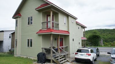 2 level, 2BR, 2.5BA new home in Davis, WV, steps from restaurants and pubs.