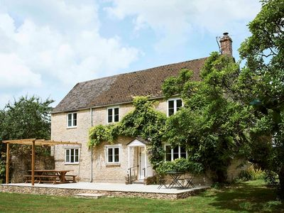 Photo for Montreal House - Your stunning Cotswold hideaway for up to 10 guests