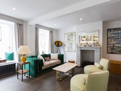 Photo for Luxurious mews house in the heart of Notting Hill - One Bedroom Villa, Sleeps 2