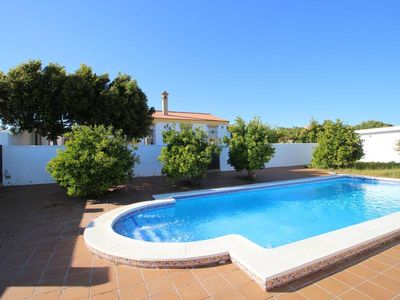 Photo for Nice country house, near to the beach of  Fuente del Gallo and Conil, with large private pool, for 6 persons