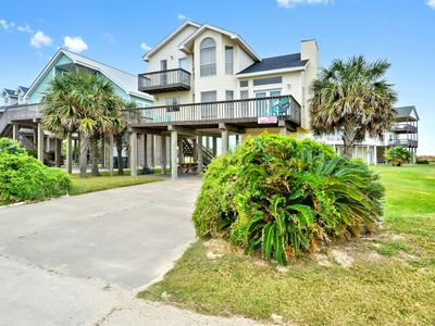 Photo for Sunshine Dreams: Pointe San Luis pool, Gulf view, short walk/drive to the beach!