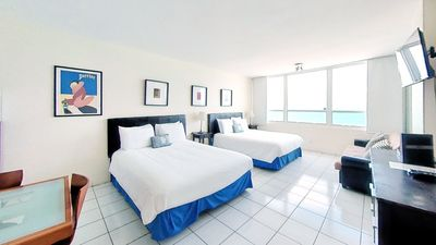 Photo for Oceanfront studio withocean view, easy beach access, shared pool andmore!