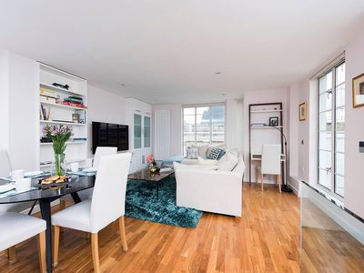 Photo for Luxurious 2 Bedroom Apartment near Hyde Park