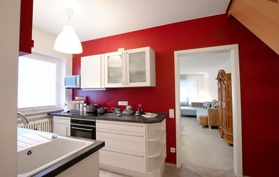 Photo for Cosy Apartment with Balcony, Mountain View & Wi-Fi; Parking and Garage available, ideally located