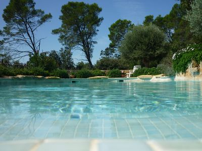 Photo for Beautiful sunny bastide with private pool