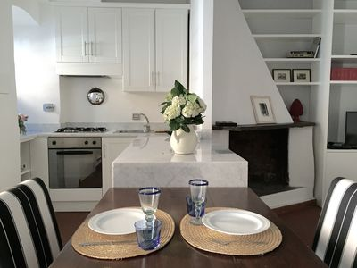 Photo for Trastevere pied a terre, cozy & chic 1 bedroom apartment