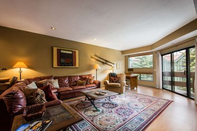 Wood Flooring, Leather Sofas, Private Deck, Fireplace