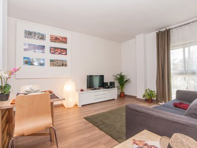 Photo for Tetuan Cuatro apartment in Eixample Dreta with WiFi, integrated air conditioning (hot / cold) & lif…