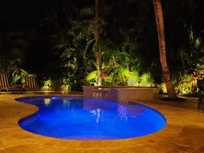 Tropical Oasis with Private Heated Pool and Spa
