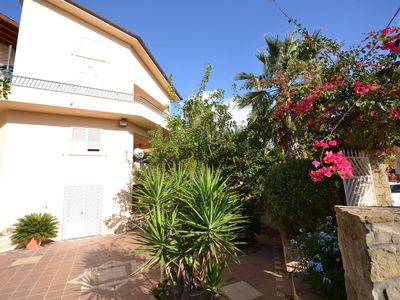 Photo for A sun-drenched holiday apartment just a few metres from the Sicilian coastline