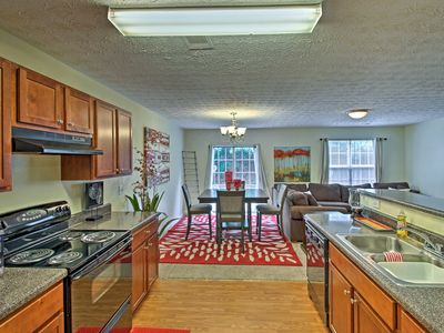 Photo for Spacious Townhome - 20 Minutes to Dtwn Atlanta!
