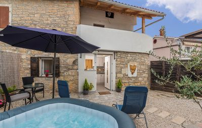 Photo for Apartment Dida Sime with Whirlpool in Central Istria