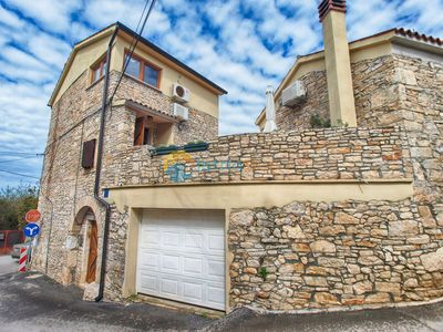 Photo for House 1599/16347 (Istria - Medulin), Family holiday, 600m from the beach