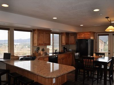 Gourmet kitchen-seats 10. Spectacular Lake View.