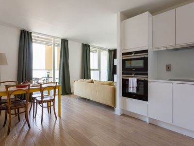 Photo for 1BR Modern Apartment With Balcony In Stockwell