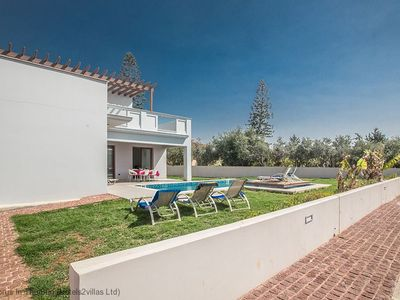 Photo for A villa that sleeps 14 guests  in 6 bedrooms