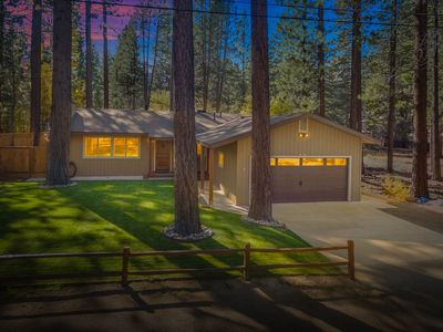 Photo for Gorgeous Single Level Home. Great Location*Hot tub*Pool Table