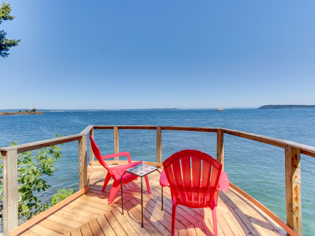New Listing Waterfront Home W Impeccable Views W Hot Tub Pool Table Port Ludlow