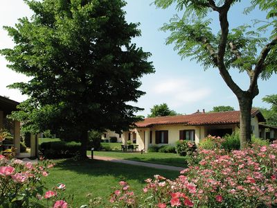 Photo for Semi-detached bungalow with AC just 3,5 km. from Sirmione