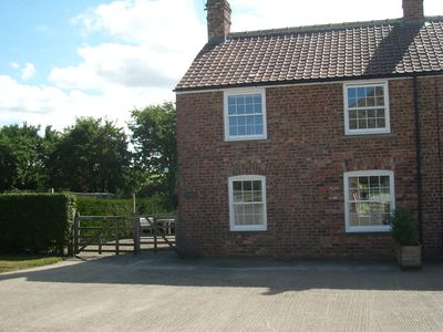 Guests' first view of Close House Cottage as you drive up the lane